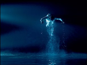 "Bill Viola, ""Five Angels for The Millennium - Ascending Angel'', 2001, video sound installation, fotografia Kira Perov"