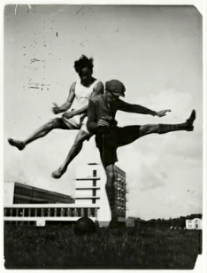 © T. Lux Feininger, Sport at the Bauhaus (The jump over the Bauhaus), c.1927, Bauhaus-Archiv Berlin / © T.Lux Feininger