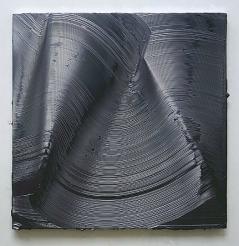Jason Martin, Doxy, 1999, acrilico em aluminio, 150 x 150 x 7. Image via Lisson Gallery, 2012.