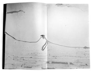 Livro 'Rien' de André Cepeda, uma edição de Pierre von Kleist Editions.