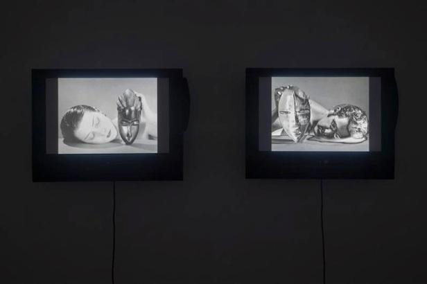 Daniel Blaufuks, Self Portray, 2012, 2 × 10 min., b/w loop, em exposição na Vera Cortês, art agency, 2012. Imagem cortesia Daniel Blaufuks e Vera Cortês art agency.