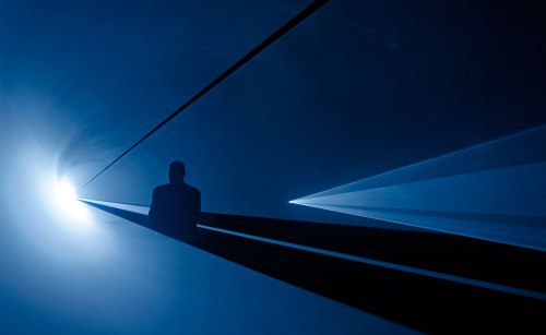 Anthony McCall, You and I Horizontal, 2005; © the artist.