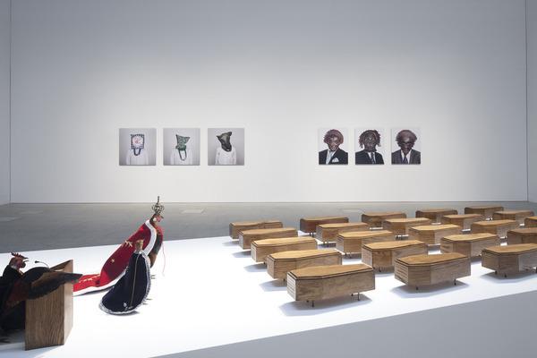 """Vista da exposição """"No Fly Zone. Unlimited Mileage"""", Museu Coleção Berardo, 2013. Fotografia: David Rato."""