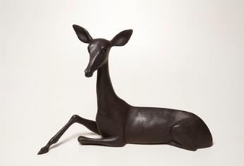 Miguel Branco, Sem título, 2011, Bronze com patine castanha, 48 x 71 x 22 cm, Ed. 3 . © Miguel Branco, Col. do artista. Cortesia da Galeria Belo-Galsterer, Lisboa.