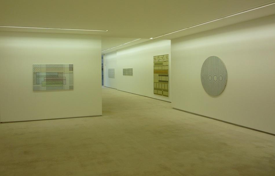 Pedro Casqueiro, Veículo, vista da exposição na Galeria Fernando Santos, Porto.