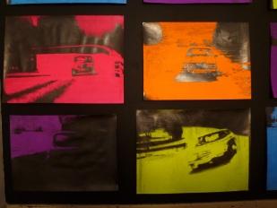 João Fonte Santa, Autobahn (Und Wer's Nie Gekonnt, Der Stehle Weinend Sich Aus Dem Bund), 2013, dimensões variáveis, Grafite e têmpera acrílica s/ papel. © João Fonte Santa.