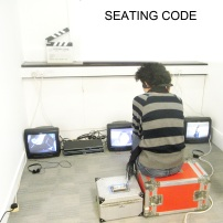 Hong Yane Wang (China) Seating Code, 2010, vídeo, cor, som, 2'20''