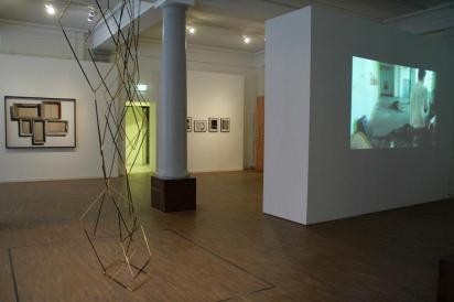 Annika von Hauswolff, Stef Heidhues e Hajnal Nemeth, exposição 'Love Triangle', Goethe-Institut e Instituto Cervantes em Estocolmo. Cortesia de Invaliden1 Galerie, 2013.