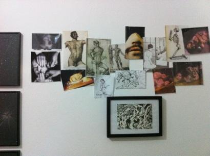 Inez Teixeira, orquídeas, laranjas, quarto de dormir, 2012. Fotocópias coloridas e desenho, dim variáveis.