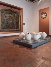 peças de cerâmica de Beatriz Horta Correia, da exposição 'O Poder do Fazer' no Museu do azulejo em Lisboa.