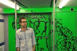 Projecto Janela (P28), intervenção de Bruno Pereira nos comboios da CP, Lisboa, 2013.