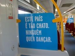 Projecto Janela (P28), intervenção de Luís Alegre nos comboios da CP, Lisboa, 2013.