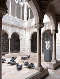peças de cerâmica de Maria Pia Oliveira, da exposição 'O Poder do Fazer' no Museu do azulejo em Lisboa.