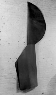 Richard Serra, Untitled 1967, Rubber, 100 x 42 x 6 inches, 254 x 106.7 x 15.2 cm. Private collection.