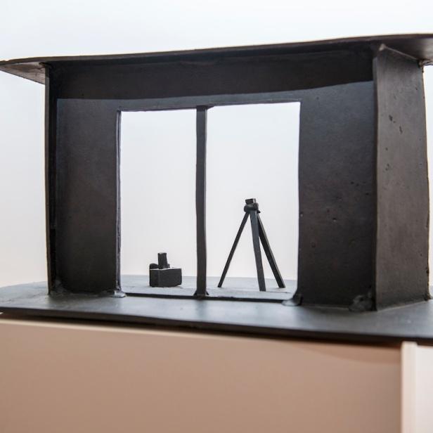 João Maria Gusmão + Pedro Paiva, Camera Inside Camera, 2012. Future Generation Art Prize, Palazzo Contarini Polignac, Veneza, Itália, 2013. Courtesy PinchukArtCentre. Photo by Sergey Illin.