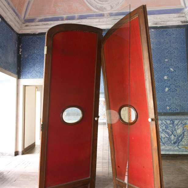 José Pedro Croft, exposição no espaço Carpe Diem Arte e Pesquisa, Lisboa, 2013. Cortesia de Carpe Diem Arte e Pesquisa.