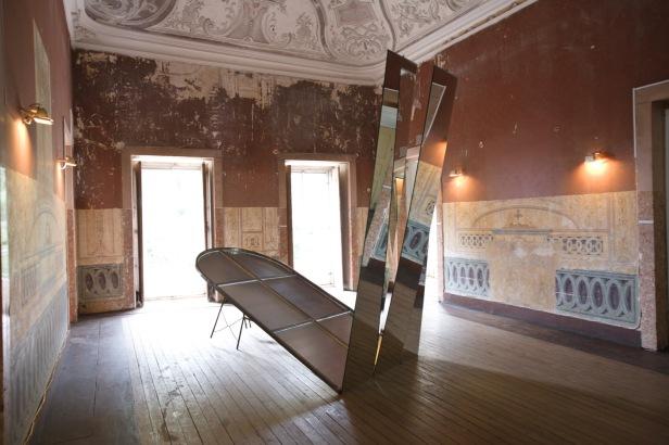 José Pedro Croft, exposição 'Sem título (uma dupla de artistas)' no Carpe Diem Arte e Pesquisa, Lisboa, 2013. Cortesia de Carpe Diem Arte e Pesquisa.