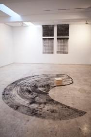 Catarina Mil Homens, vista geral da exposição 'Nem sempre é a direito' no Módulo, Lisboa. Cortesia da artista.