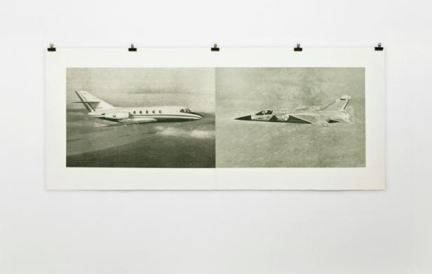 Mauro Vallejo, Conflicto De Intereses, 2011, Photogravura sobre papel de Incisioni 310 Gr., 71 X 172 cm, Ed. 30. Cortesia 3+1, Lisboa, 2013.