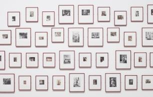 Vista da exposição Entre Memória e Arquivo / View of the exhibition Between Memory and Archive. Obras de / Works by Umrao Sing Sher-Gil. Fotografia / Photograph: David Rato. Cortesia Museu Coleção Berardo.
