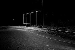 Martim Ramos, Suporte para publicidade na periferia de Lisboa. 30/01/2012. Cortesia de Kameraphoto.