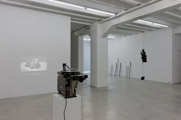 Francisco Tropa, Exhibition view. Photo: Marcus Schneider. Courtesy Galerija Gregor Podnar, Berlin / Ljubljana.