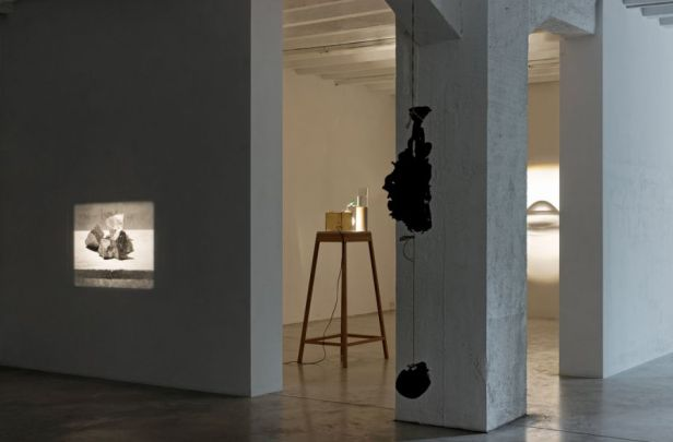 Francisco Tropa, Exhibition view. Photo: Marcus Schneider. Courtesy Galerija Gregor Podnar, Berlin / Ljubljana