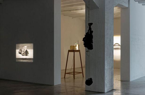 Francisco Tropa, Exhibition view. Photo: Marcus Schneider. Courtesy Galerija Gregor Podnar, Berlin / Ljubljana