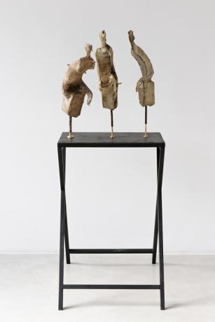 Francisco Tropa, Shades, 2013. Bronze, wood. Photo: Marcus Schneider. Courtesy Galerija Gregor Podnar, Berlin / Ljubljana.