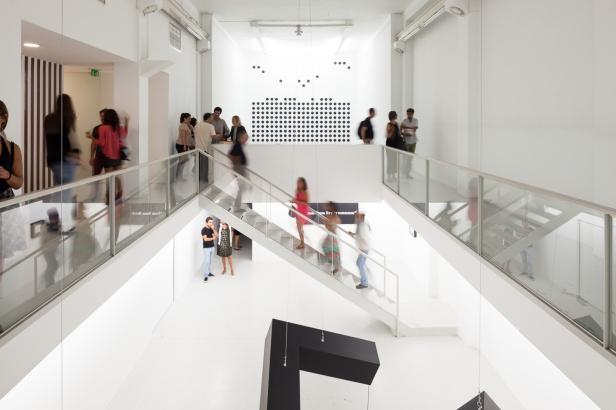 vista da exposição 'Sabotage' de Rui Valério na Galeria Graça Brandão, Lisboa. Fotografia © Francisco Nogueira