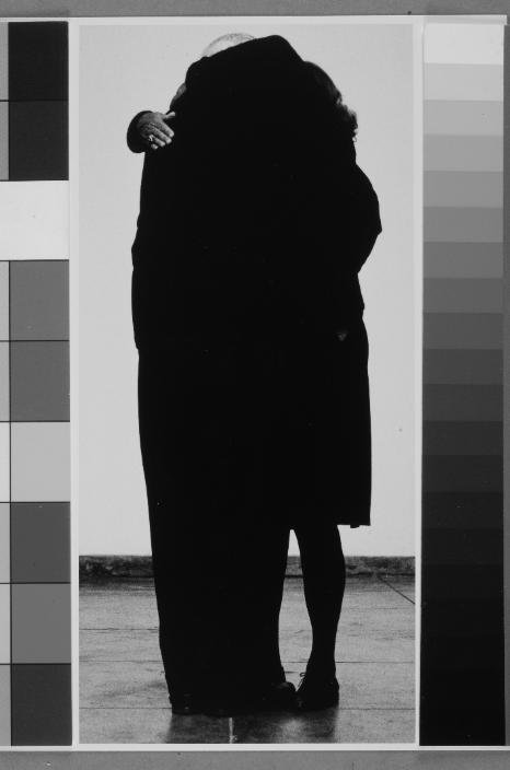 Helena Almeida, Abraço, 2007, 280 x 130 cm. Coleção Telefónica. Cortesia de Bes Arte & Finança.