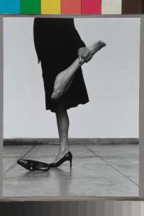 Helena Almeida, Seduzir, 2002, 195 x 126 cm, Colecção particular. Cortesia de Bes Arte & Finança.