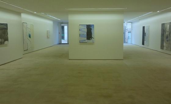 vista da exposição 'Suite Alentejana - pintura' de Rui Sanches na Galeria Fernando Santos (Porto), 2013. Cortesia da Galeria Fernando Santos.