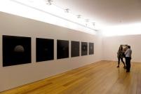 vista da exposição Japão 1997. © António Júlio Duarte. Cortesia de Centro Cultural Vila Flor, Guimarães, 2013.