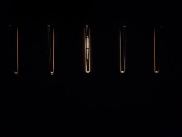 'Lições da Escuridão, Sala 10. Rui Chafes, Tranquila ferida do sim, faca do não, 2000-2013. Cortesia Centro Internacional das Artes José de Guimarães, 2013