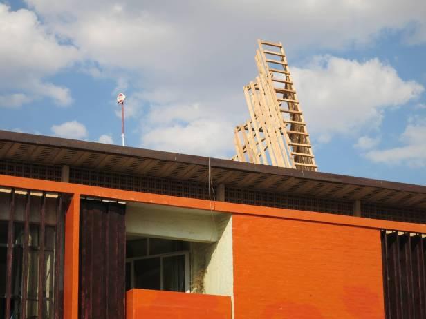Ângela Ferreira, instalação 'Entrer dans la mine'. Bienal de Lubumbashi 2013. Cortesia de Maumaus, 2013.