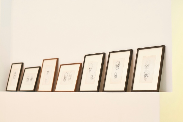 (pormenor) vista da exposição 'Caveiras, casas, pedras e uma figueira' no Atelier Museu Julio Pomar. Cortesia de Atelier Museu Julio Pomar. Luísa Ferreira| AMJP 2013.