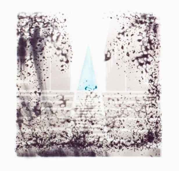 Nuno Tomás, 165/96/S (b) Provas, gelatina e sais de prata s/ papel baritado, toner azul. 24 x 29 cm. 2011. Cortesia de Arquivo Municipal Fotográfico de Lisboa.