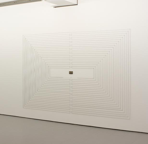 Rui Valério, '90 min' (instalação de parede) 2011. © Rui Valério. Cortesia do artista.