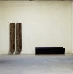 Miroslaw Balka, 1993 2 x (216 x 35 x 65 cm) (190 x 83 x 48 cm), 1993 Collection Fonds régional d'art contemporain Bretagne, Rennes.