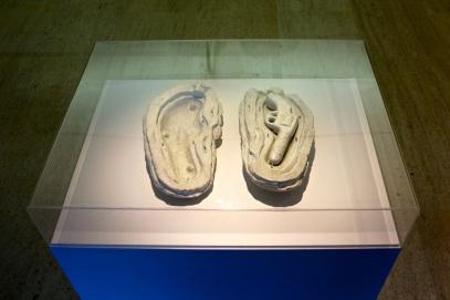 Ana Jotta, Firmeza, 1989. (nave) Exposição 'Sob o Signo de Amadeo - Um Século de Arte'. CAM-Fundação Calouste Gulbenkian, 2013-2014.