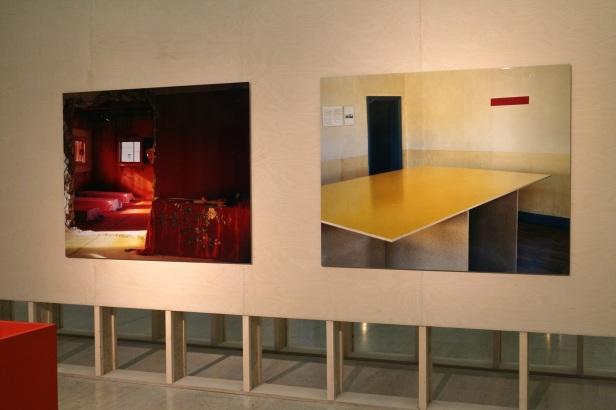 Ângela Ferreira, Double Sided, 2009. (nave) Exposição 'Sob o Signo de Amadeo - Um Século de Arte'. CAM-Fundação Calouste Gulbenkian, 2013-2014.
