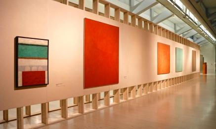 Ângelo de Sousa, Pintura, Pintura, Pintura (84 - 10 - 4 G), 86-3-15Q, Pintura (83-5-15G). (nave) Exposição 'Sob o Signo de Amadeo - Um Século de Arte'. CAM-Fundação Calouste Gulbenkian, 2013-2014.
