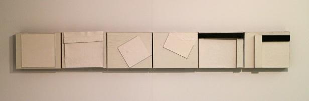 Carlos Nogueira, Desenhos Cortantes para construção com chão branco a partir de dentro, 1998. (nave) Exposição 'Sob o Signo de Amadeo - Um Século de Arte'. CAM-Fundação Calouste Gulbenkian, 2013-2014.