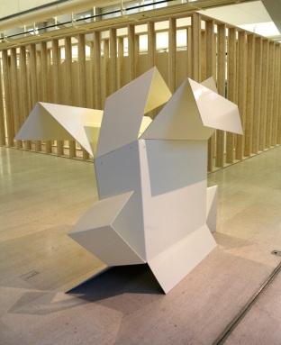 David Hall, Box, 1965. (nave) Exposição 'Sob o Signo de Amadeo - Um Século de Arte'. CAM-Fundação Calouste Gulbenkian, 2013-2014.