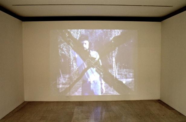 Fernando Calhau, Destruíção, 1975. (Nave) Exposição 'Sob o Signo de Amadeo - Um Século de Arte'. CAM-Fundação Calouste Gulbenkian, 2013-2014.