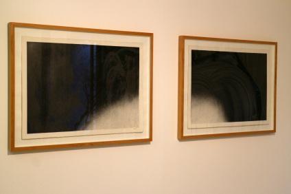 Fernando Calhau, S/ Título # 572 e S/ Título # 573. (nave) Exposição 'Sob o Signo de Amadeo - Um Século de Arte'. CAM-Fundação Calouste Gulbenkian, 2013-2014.