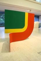 Michael Bolus, Bowbend. (nave) Exposição 'Sob o Signo de Amadeo - Um Século de Arte'. CAM-Fundação Calouste Gulbenkian, 2013-2014.