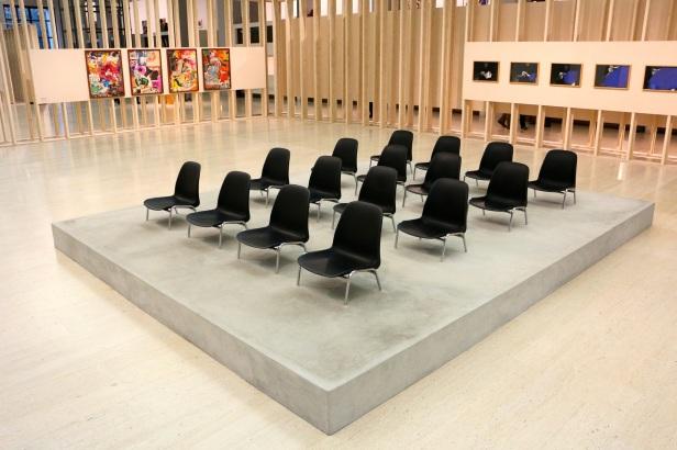 Pedro Barateiro, Plateia (nave) Vista geral da Exposição 'Sob o Signo de Amadeo - Um Século de Arte'. CAM-Fundação Calouste Gulbenkian, 2013-2014.