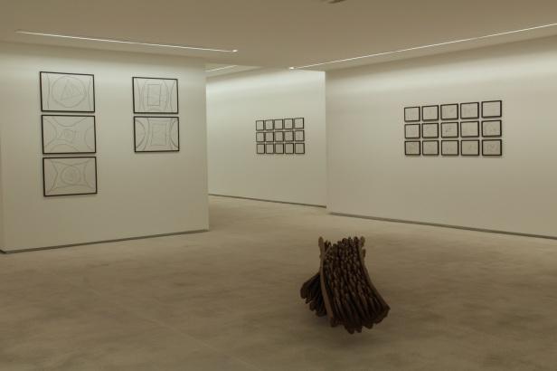 Alberto Carneiro, exposição na Galeria Fernando Santos, Porto, 2014. Cortesia da Galeria Fernando Santos.